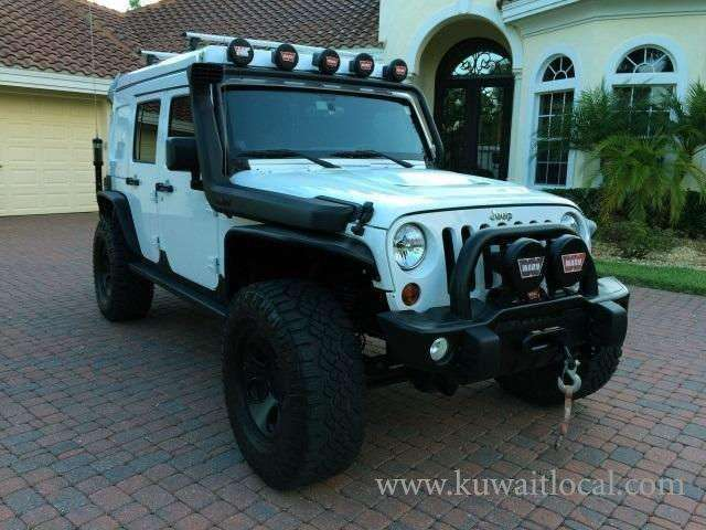 2013-jeep-wrangler-unlimited-rubicon-1-kuwait
