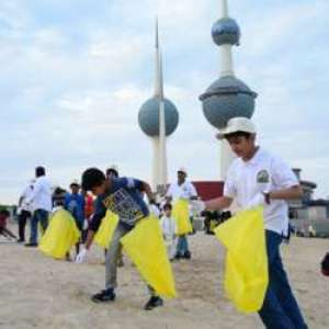 beach-cleaning-time_kuwait