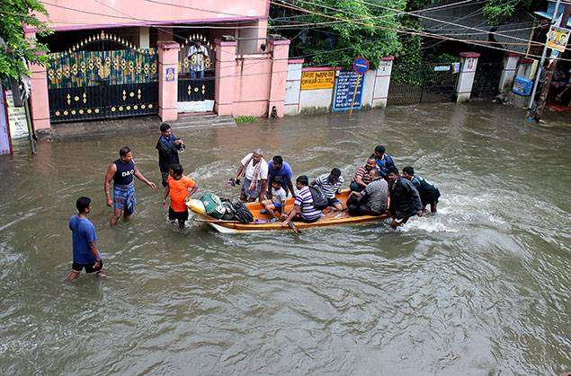 chennai-and-few-other-cities-in-india-flooded-with-water_kuwait