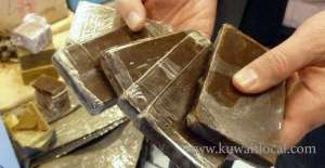 egyptian-arrested-for-attempting-to-smuggle-tramadol-pills-and-hashish_kuwait