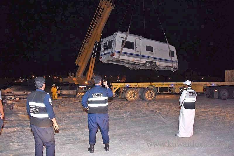 environment-cops-conducted-a-campaign-to-remove-structures-in-sabah-al-ahmad-sea-area_kuwait