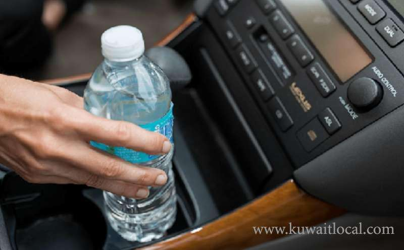 dont-leave-water-bottles-inside-the-car-especially-during-day-time_kuwait