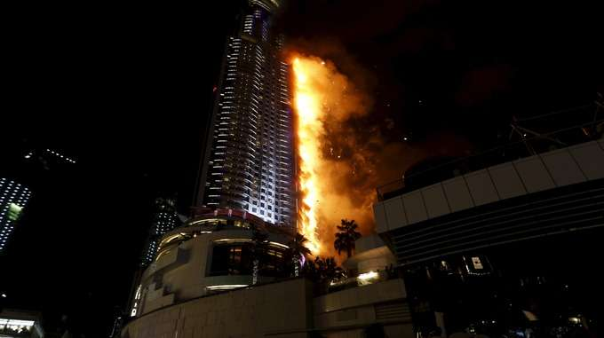 a-huge-fire-broke-out-in--63-store-hotel-in-central-dubai-ahead-of-a-new-years-eve-firework-display_kuwait
