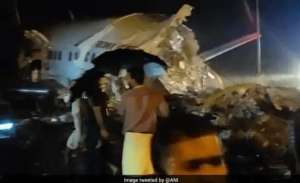 air-india-express-dubaikozhikode-flight-skids-off-runway-184-onboard_kuwait