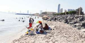 epa-teams-kick-start-campaigns-on-beaches-to-control-waste-dumping_kuwait