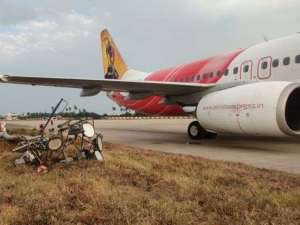 air-india-express-flight-with-64-passengers-on-board-hits-electric-pole_kuwait