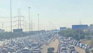 traffic-jam-across-kuwait-ahead-of-5-pm-curfew_kuwait