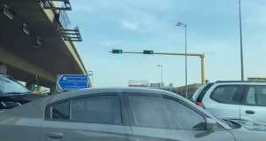 traffic-congestion-in-front-of-the-dates-and-meat-stores-in-shuwaikh-industrial_kuwait