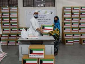 kuwait-embassy-in-new-delhi-distributes-ramadan-food-kits_kuwait
