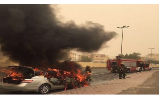 car-catches-fire_kuwait