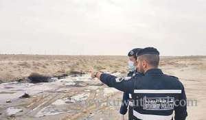 police-charged-kuwaiti-for-walking-with-hamour_kuwait
