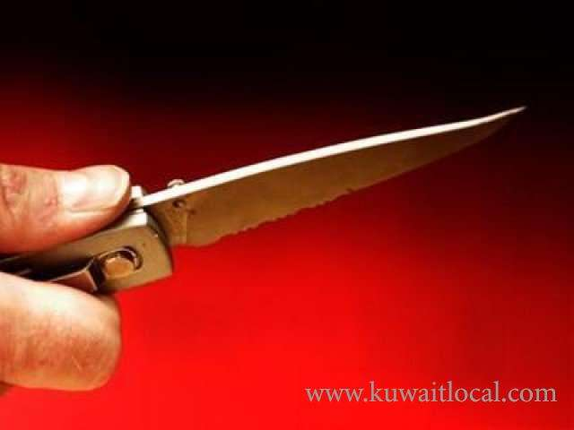 cop-stabbed-by-mentally-ill-woman_kuwait