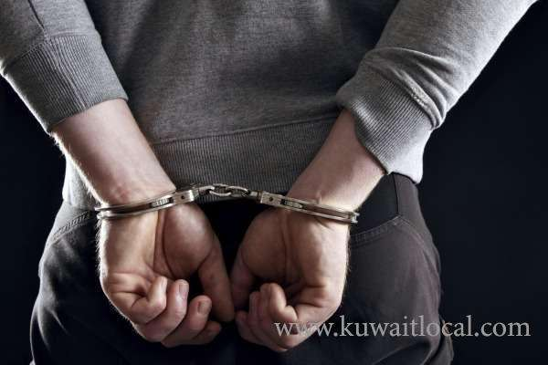 the-ahmadi-police-have-arrested-four-thieves-for-stealing-valuable-items-from-camps_kuwait