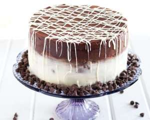 choc-vanilla-drip-cake-kuwait