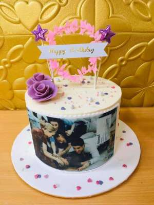 friends-cake-kuwait